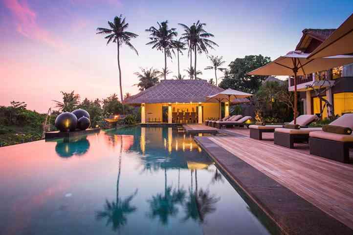 Seseh Beach Villa Poolside At Sunset