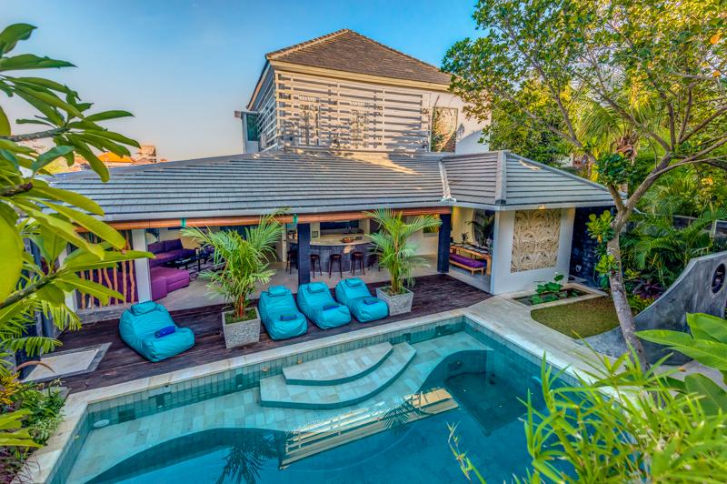 10 gorgeous villas walking distance to seminyak beach for Seminyak villas 1 bedroom